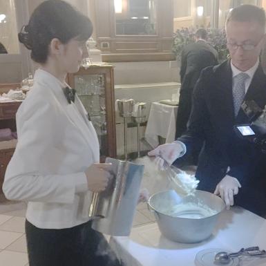 Hand Stirred Nitrogen Frozen Vanilla Ice Cream